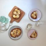 Vega budget: flatbread met geitenkaas, courgette, appel en honing