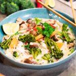 BIMI® BATTLE: Thaise noedelsoep met kokosmelk, Bimi® broccoli en champignons