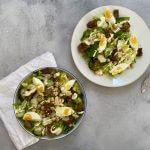 Vegetarische caesar salade met kikkererwten