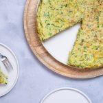 Groene groente aardappel rösti met prei en broccoli-rijst