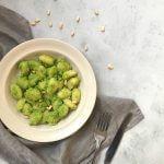 Vegan budget: gnocchi met pesto van doperwten
