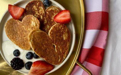 Valentijnsdag: banaan-havermout pannenkoekjes