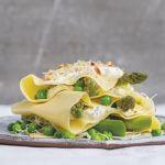 Vegabijbel: open lasagne met asperges en doperwten