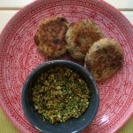 Linzen couscousburger met wortel-peterseliepesto