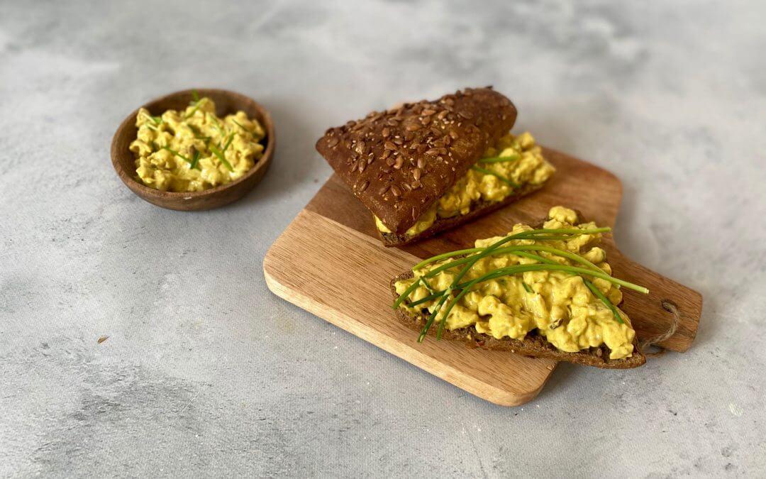 Vega kipkerrie salade voor op brood