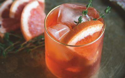 Het mediterrane forest feast kookboek: aperol spritz met grapefruit en tijm