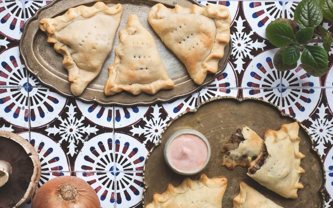 Het mediterrana forest feast kookboek: empanadas met portobello