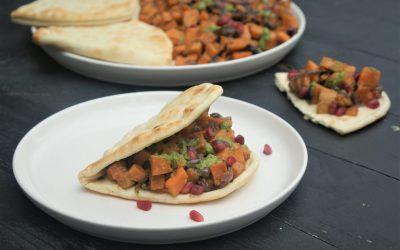 Vegan budget: flatbread met zoete aardappel en rucolapesto