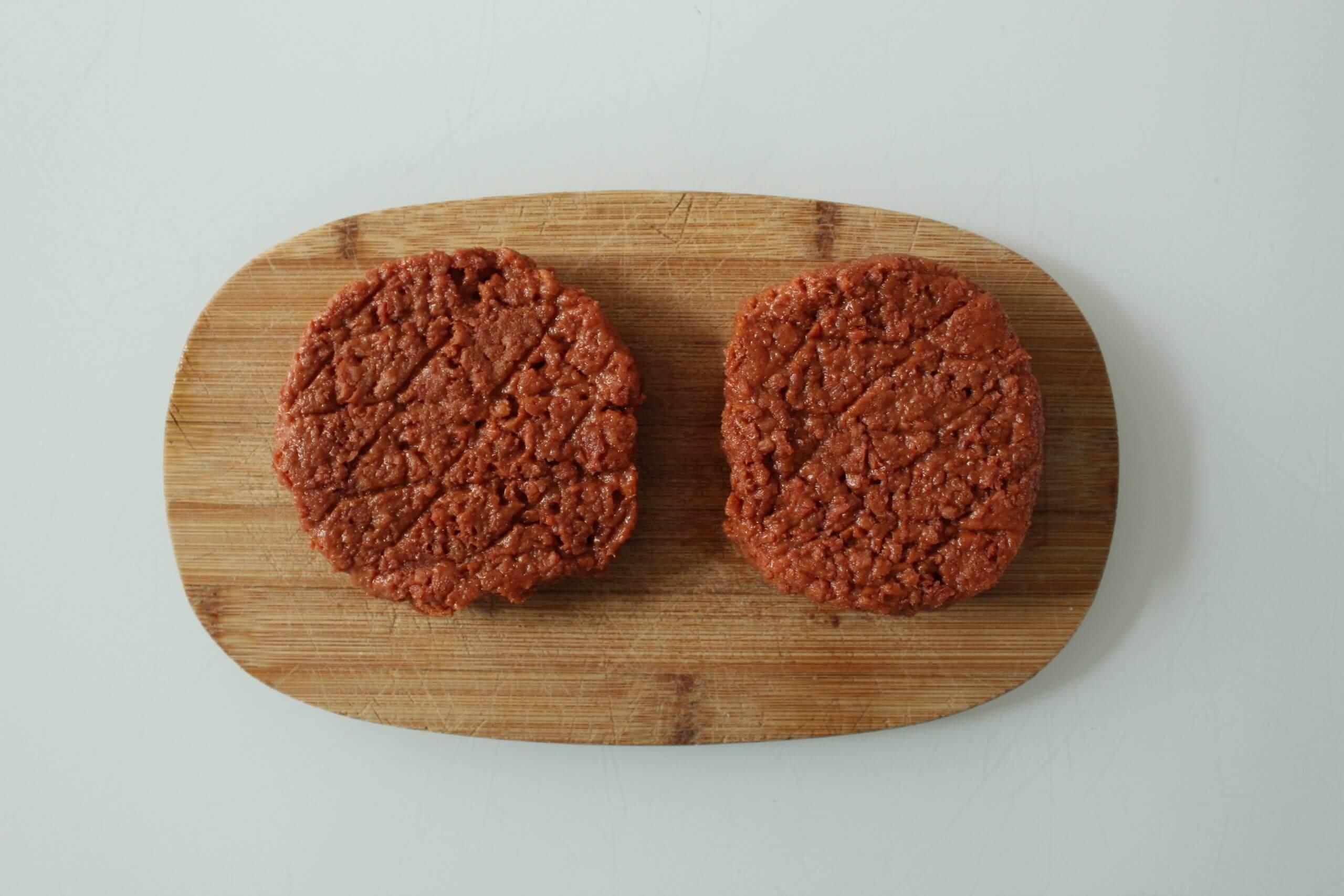 Vleesvervanger getest: Vegetarische hamburger van Plus