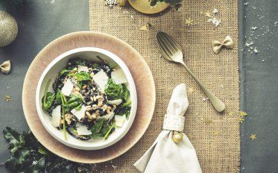 Zwarte pasta met witte truffelsaus en spinazie