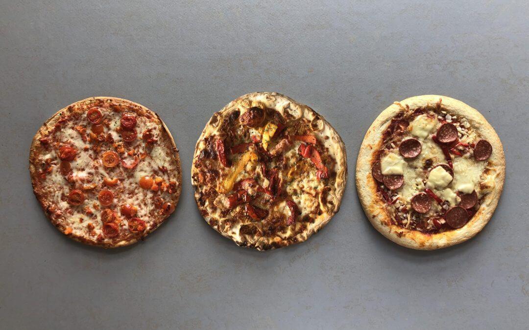 Wat is de beste groentepizza met bloemkoolbodem?
