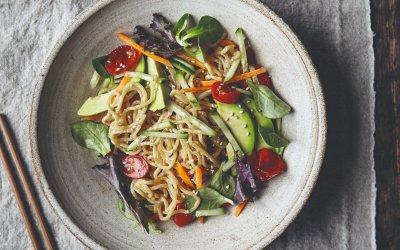 Vegan JapanEasy: Vegan ramen salade