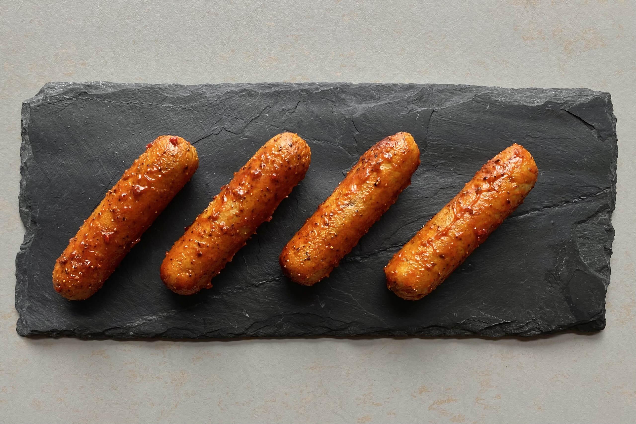 Vleesvervanger getest: AH vegetarische pittige gemarineerde worstjes
